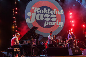 "Чалгъыджылар Koktebel Jazz Party 2017 фестивалинде ""Яков Окуннинъ халкъара ансамблининъ"" чыкъышта булунгъан вакъыт"